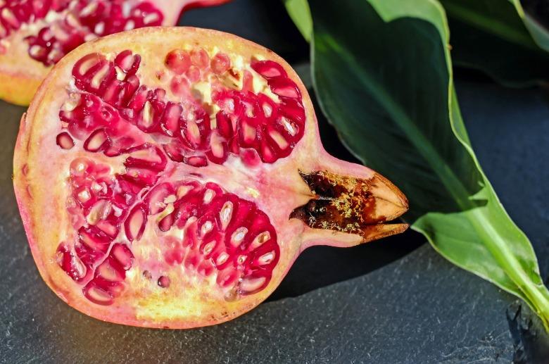 pomegranate-1647930_1920