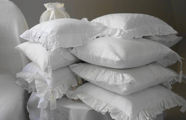 pillow-2071096_1920