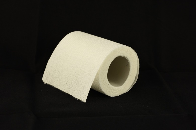 toilet-paper-1338433_1920