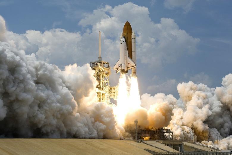 rocket-launch-67643_1920.jpg