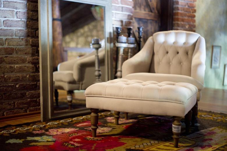 armchair-2608301_1920