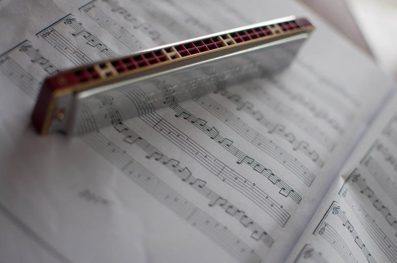 harmonica-2619860_1920