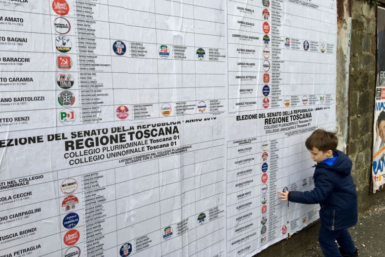 PHOTO_ItalyElectionPoster.0