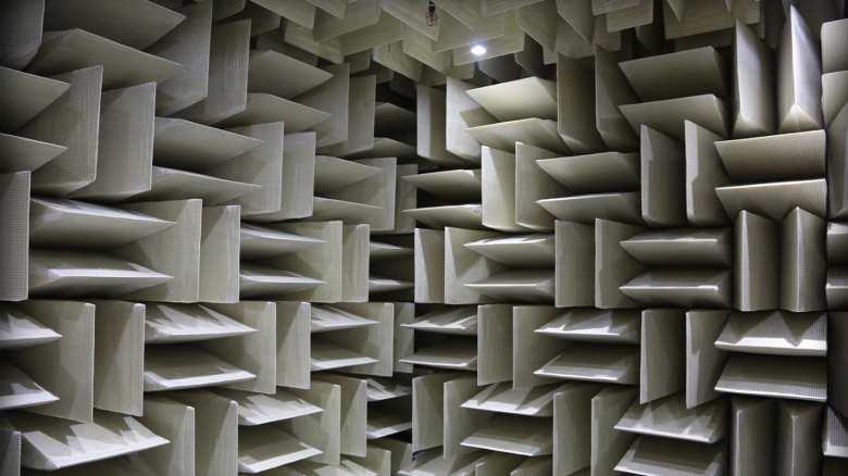 http---cdn.cnn.com-cnnnext-dam-assets-180326172314-microsoft-anechoic-chamber