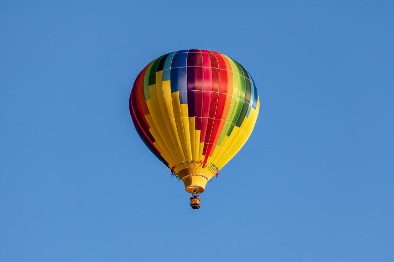 hot-air-balloon-3542903_1920