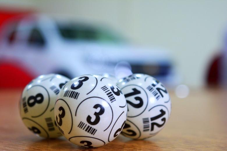 lottery-3846567_1920.jpg