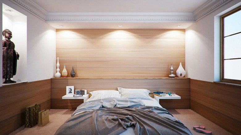 bedroom-416062_1280.jpg
