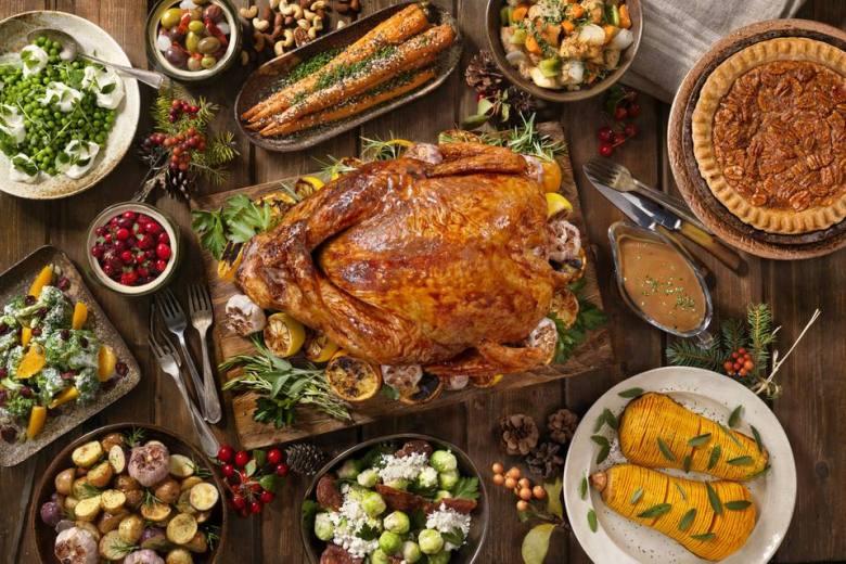 thanksgiving-dinner-dishes-836012728-5bdda2e6c9e77c00262539e0