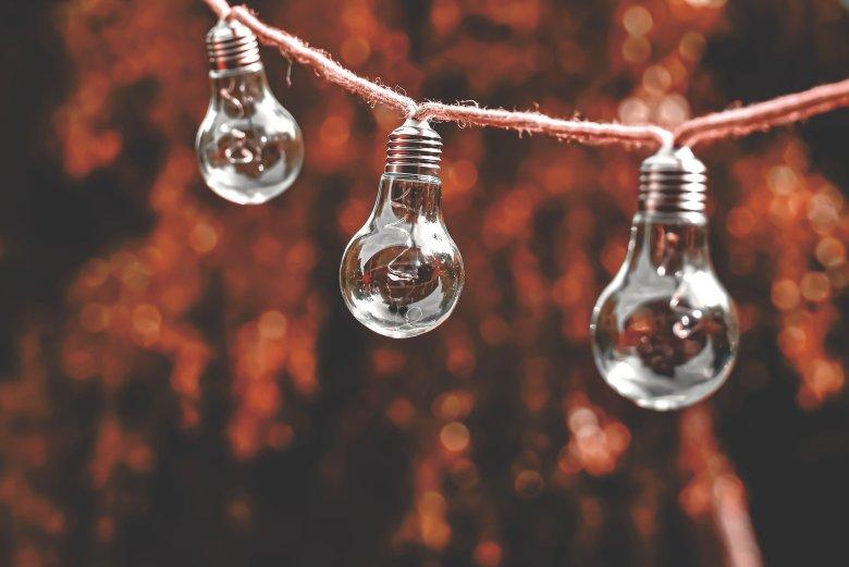 light-bulb-5282872_1920